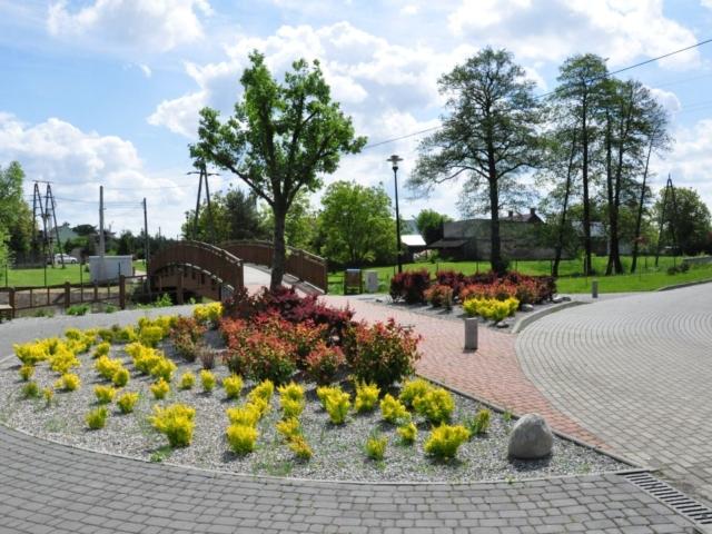Wykonanie skweru w Bogumiłowicach